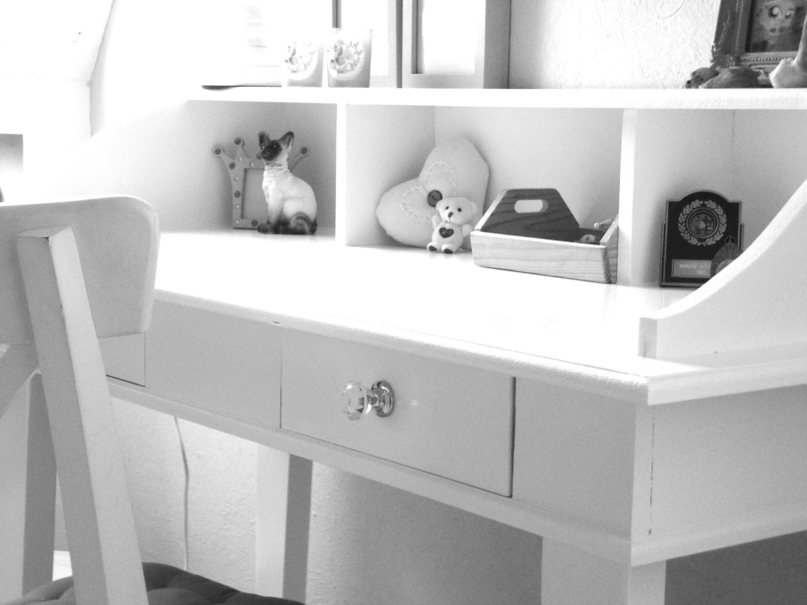 Kleine Slaapkamer Met Bureau : dan moet je natuurlijk een eigen bureau ...