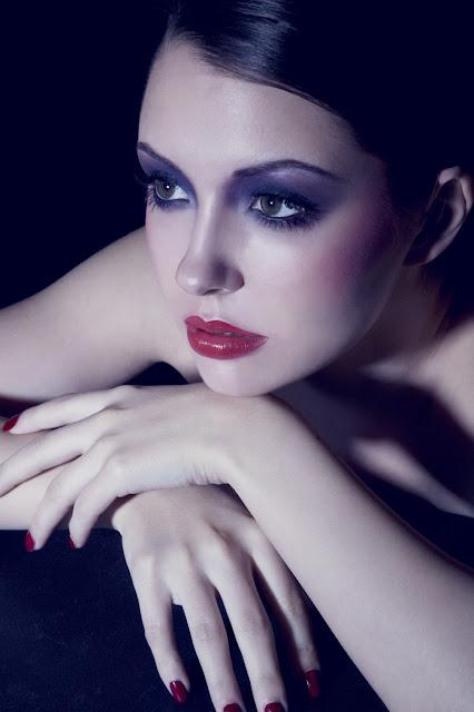 Look-cabaret-makeup-lola