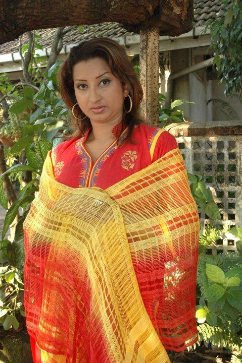 Sri lankan Actress Vasana Dayarathna Latest New PicsPhotos unseen pics
