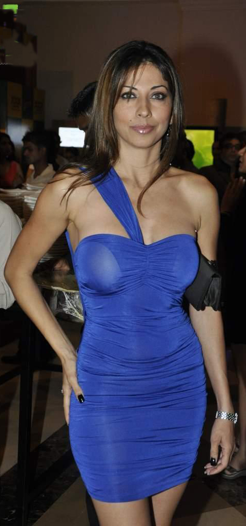 Vida Samadzai in Sexy Blue Dress, Vida Samadzai in Tight Dress, Vida Samadzai Sexy Face, Vida Samadzai hot pictures,