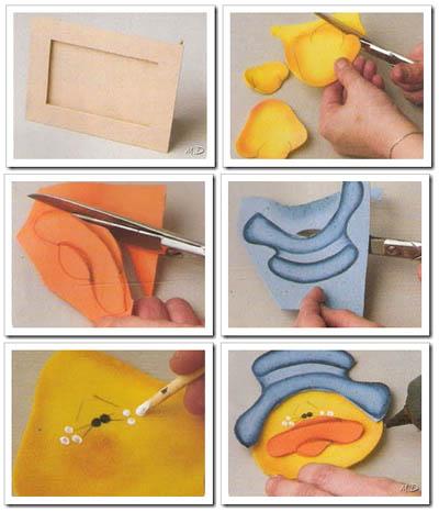Pegar todas las partes al portaretrato y decorar con cinta.