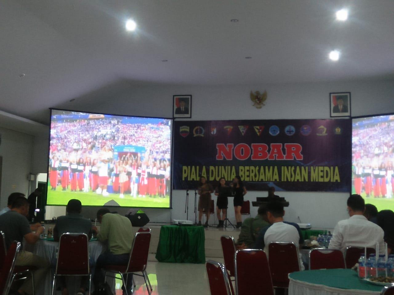 Kodam I/BB dan Wartawan Nobar Final Piala Dunia
