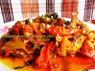 Resep Ayam Goreng Gurih Bumbu Asam Pedas