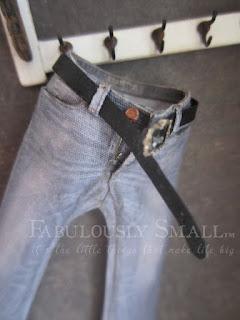 http://fabulouslysmall.blogspot.de/2012/05/mini-jeans.html