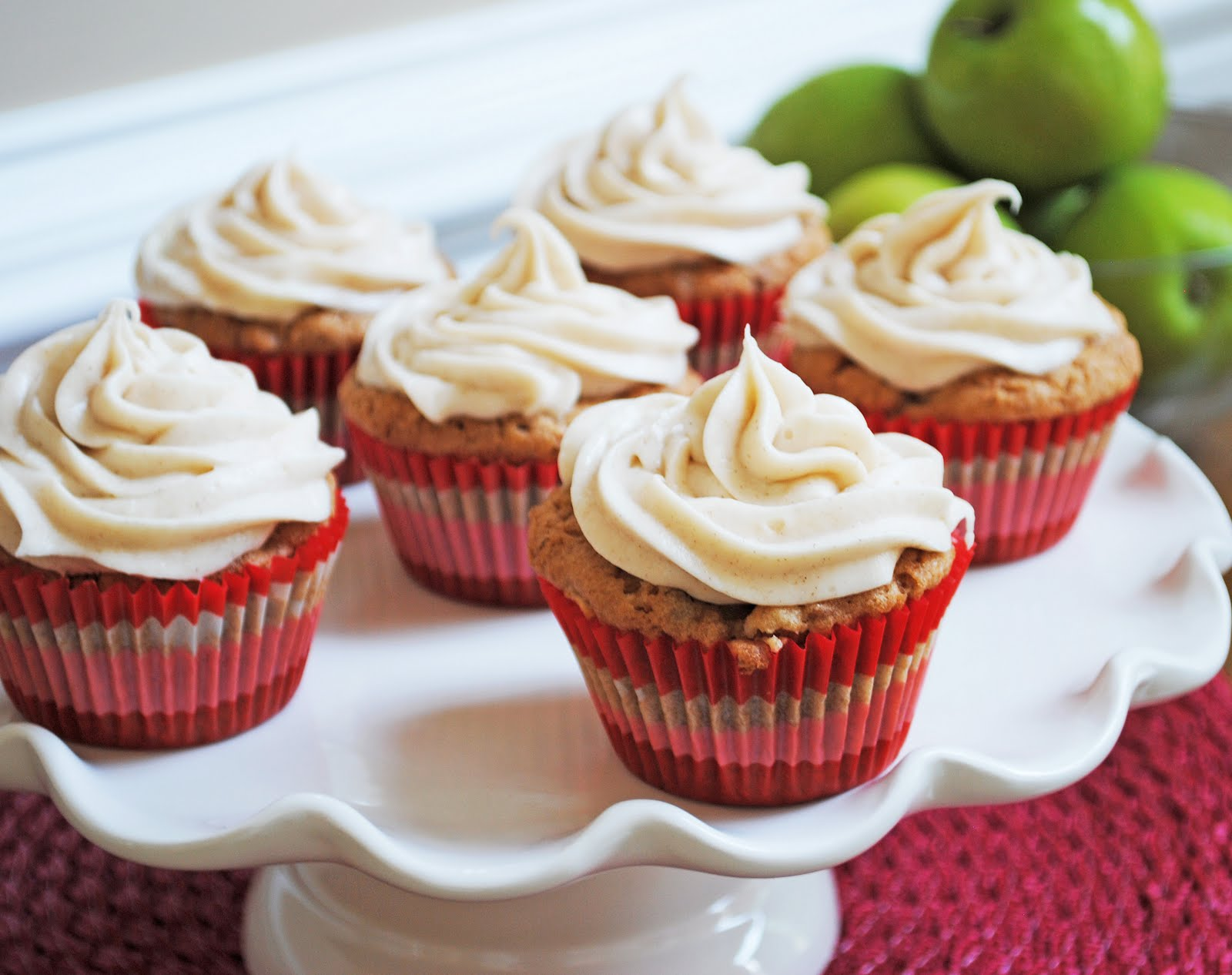 Ryan Bakes: Apple Pecan Cupcakes with Cinnamon Cream Cheese Frosting
