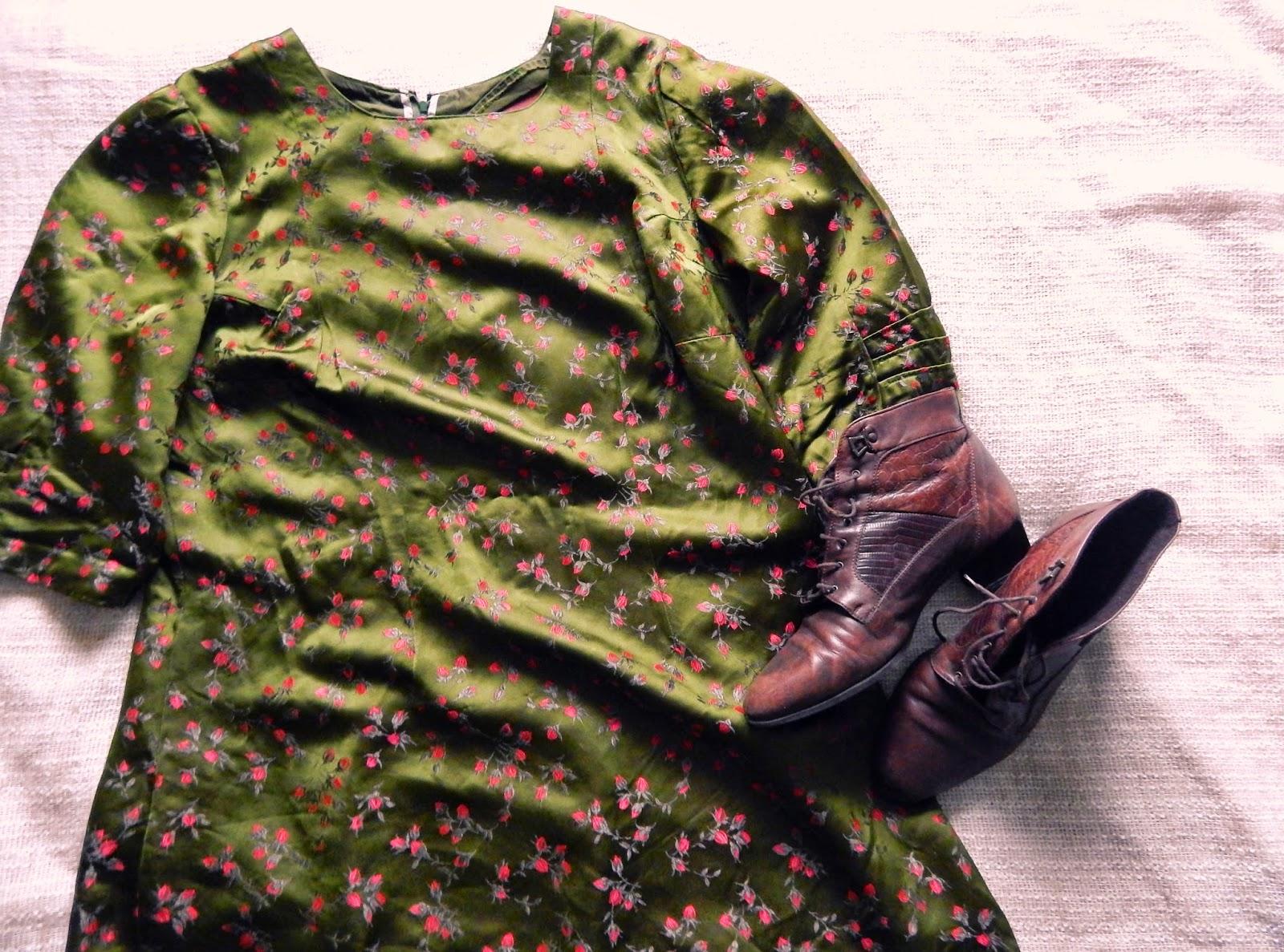 Outfit: Vintage Gren Dress