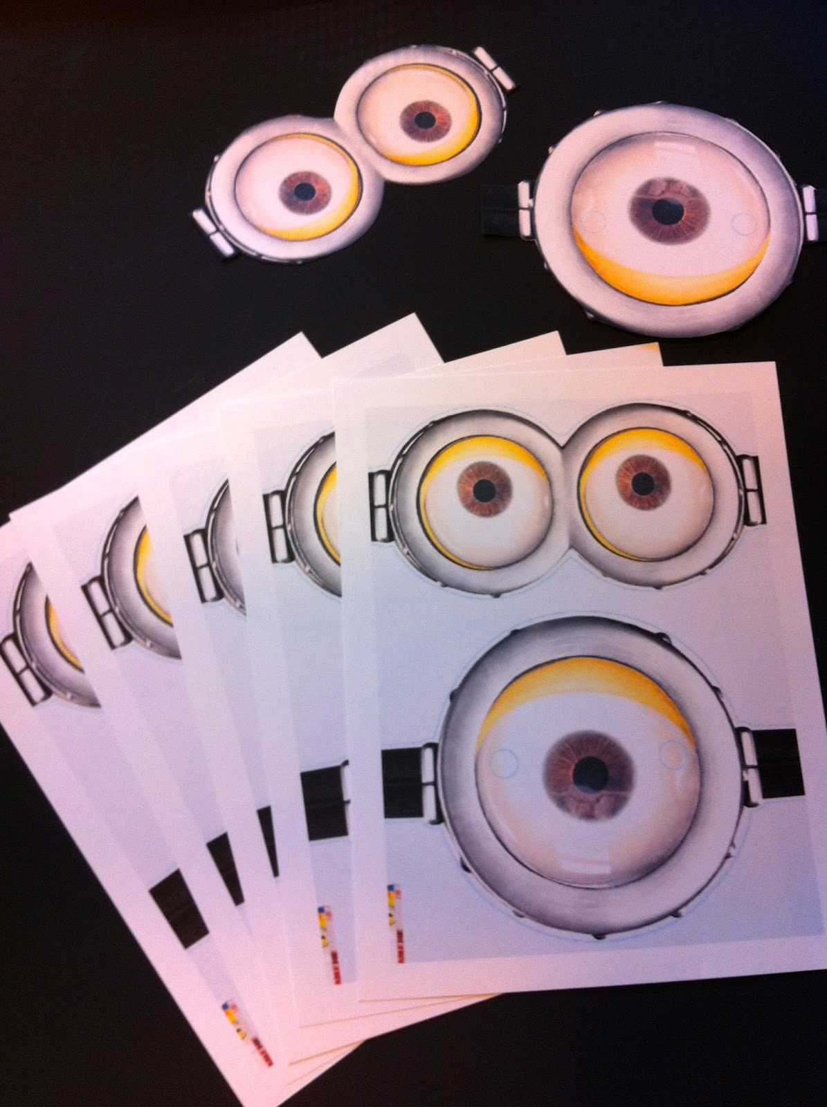 the crafty crazy despicable me minion birthday party game. Black Bedroom Furniture Sets. Home Design Ideas