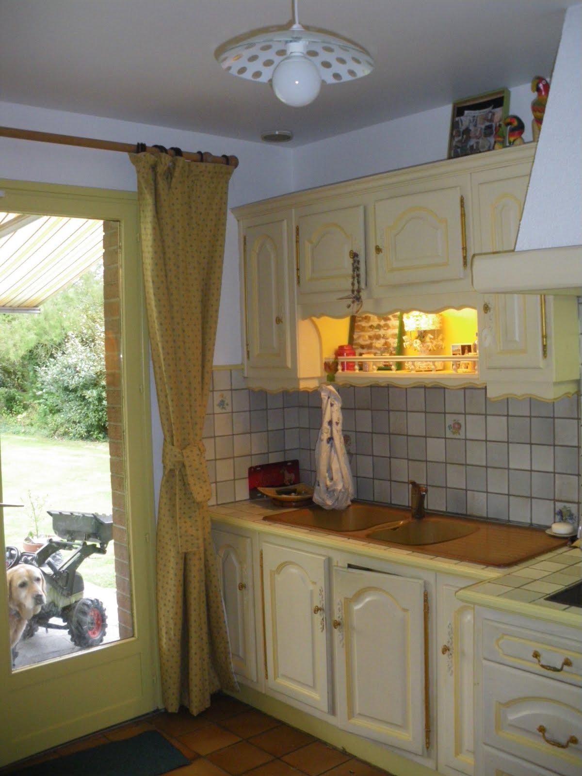 Les tr sors d 39 isa jolie cuisine jaune et blanche - Jolie cuisine ...