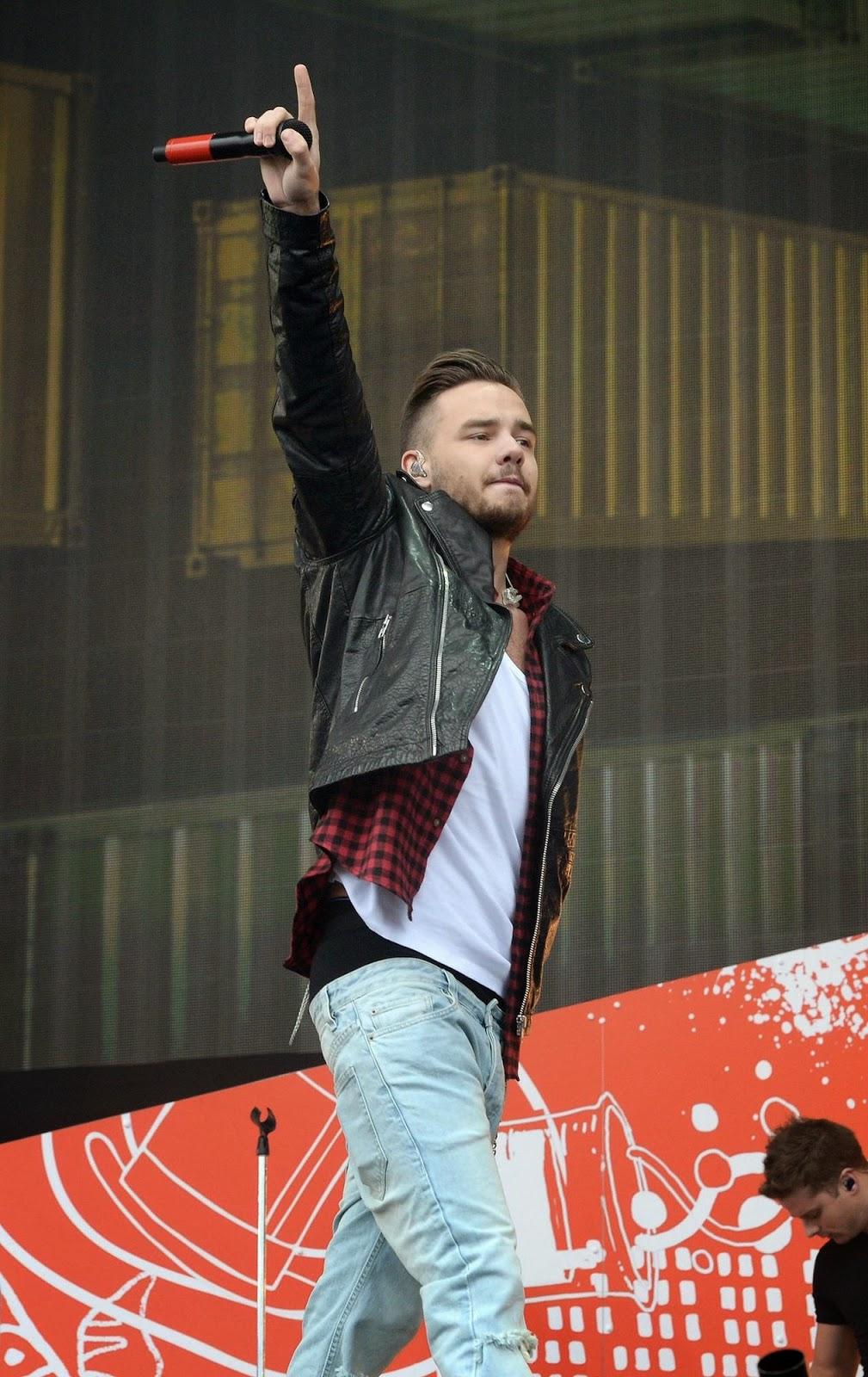 Liam Payne Sagging at Radio 1's Big Weekend
