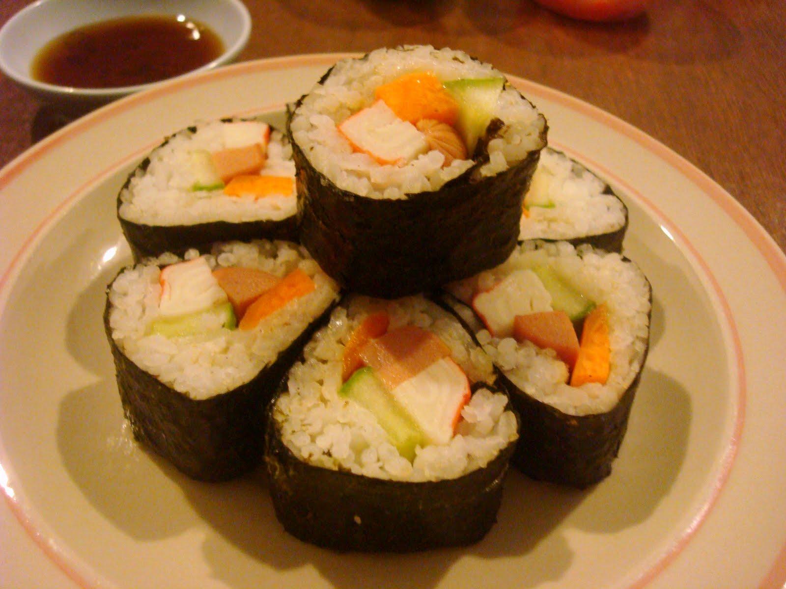 world cuisine maki sushi or sushi rolls in triangle. Black Bedroom Furniture Sets. Home Design Ideas