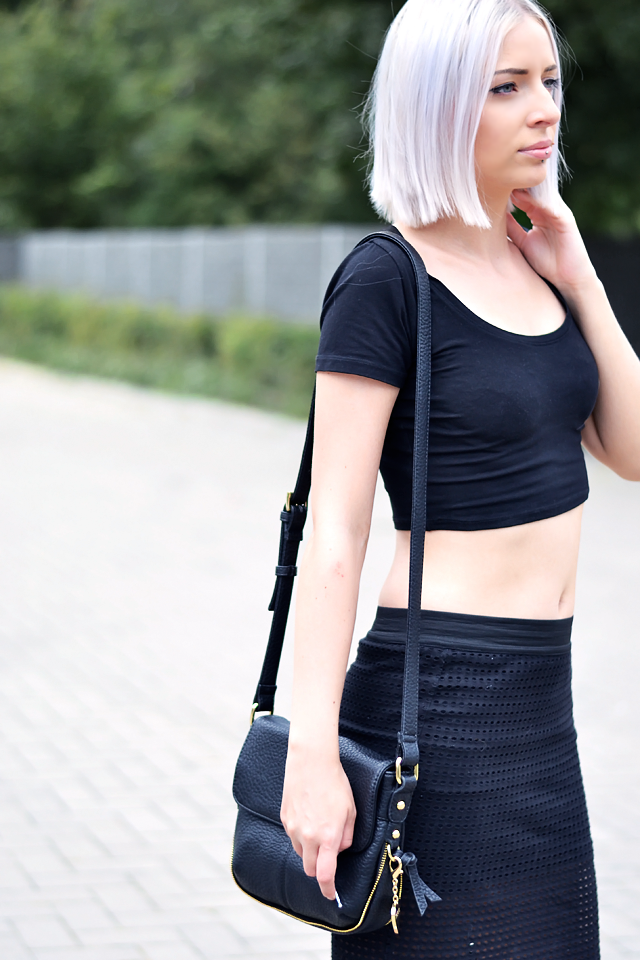 Ootd, outfit, asos, 90's, crop top, black, mesh skirt, longer skirt, zara, adidas superstar, adicolor, marc b bag, fashion blogger, belgium, street style, inspiration, summer 2015