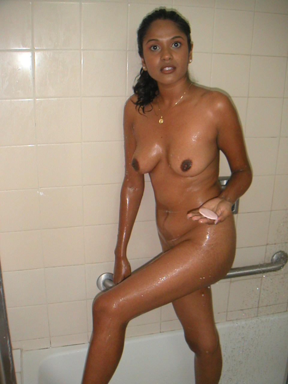 Indian Aunty Bathing Nude