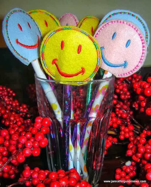 http://www.janicefergusonsews.com/blog/2014/01/06/free-happy-face-pencil-toppers-design-and-tutorial/