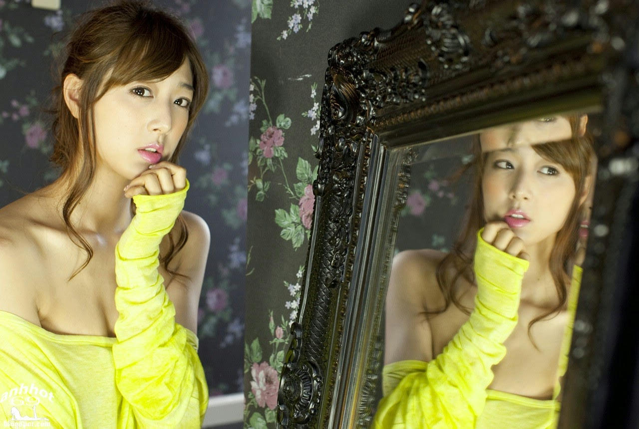 moyoko-sasaki-01425858