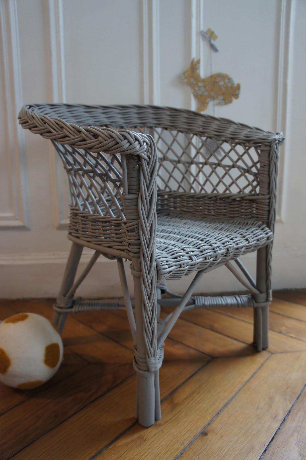 atelier petit toit fauteuils vintage pour enfants. Black Bedroom Furniture Sets. Home Design Ideas