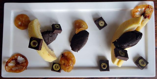 http://emancipations-culinaires.blogspot.com/2014/08/dessert-chocolat-citron-et-huile-dolive.html