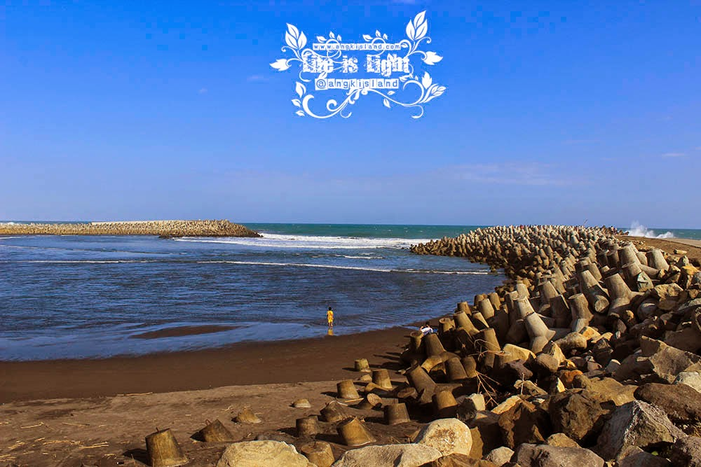 pantai glagah indonesia