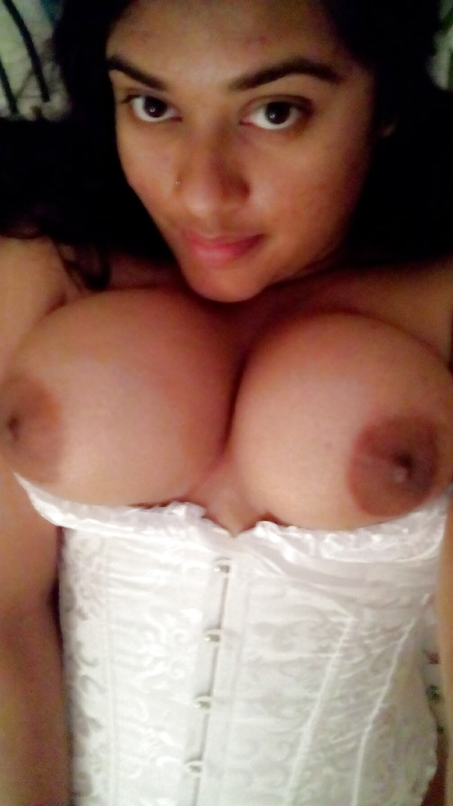 naked hot black women fucking by her self