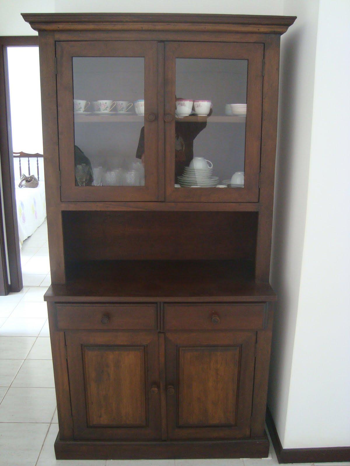 Venda: Cristaleira em madeira maciça #60493C 1200x1600