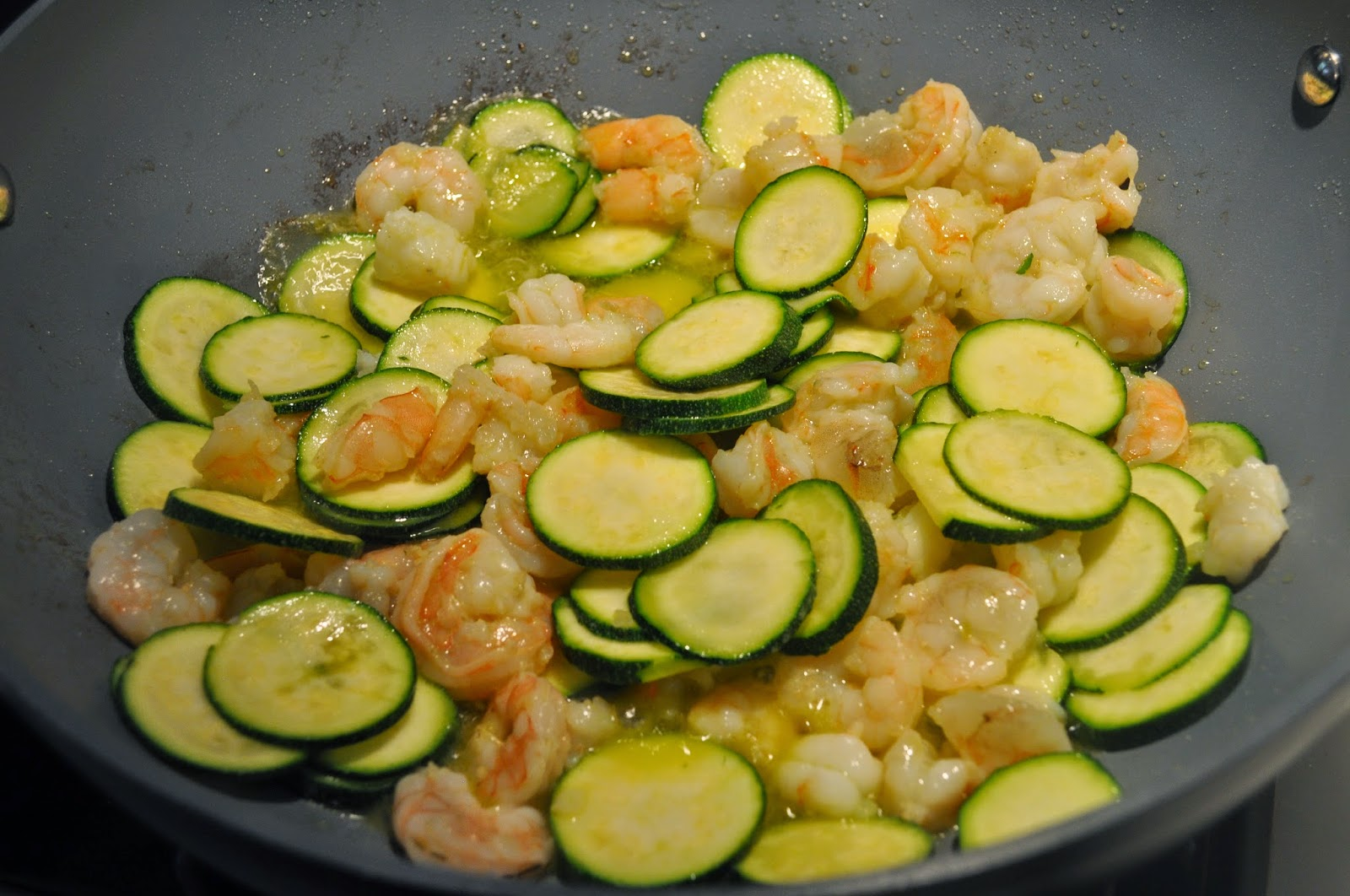 Cooking with ManuelaCreamy Pasta with Shrimps and Zucchini