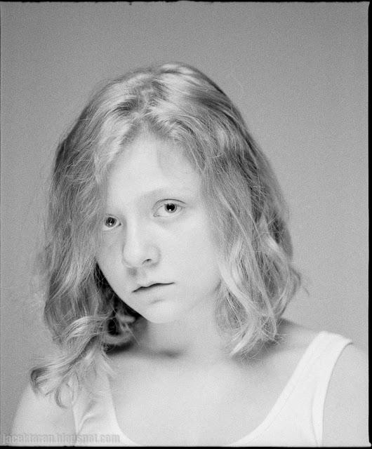 fotografia portretowa, analogowa, czarno-biala, mamiya, ilford, fotograf krakow
