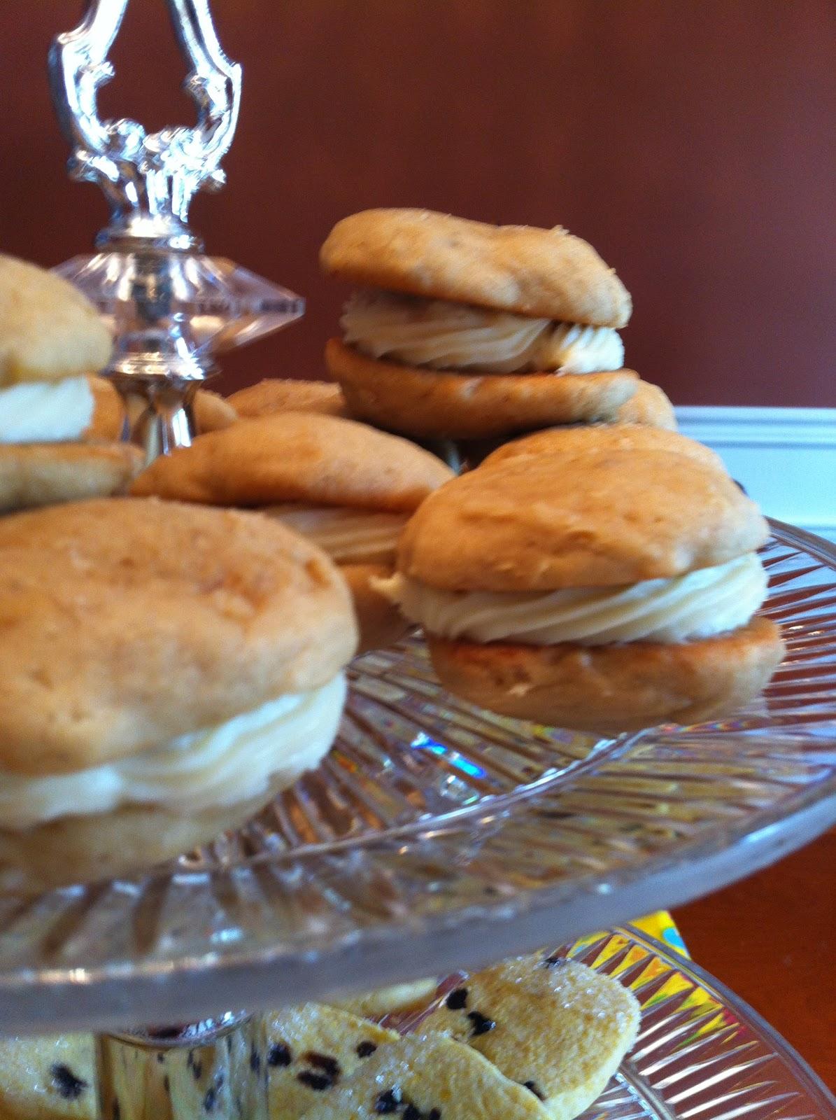 Regina Biscotti: Banana Whoopie Pie Cookies
