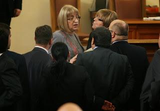 Скандал между Цецка Цачева и Марияна Георгиева избухна в парламента