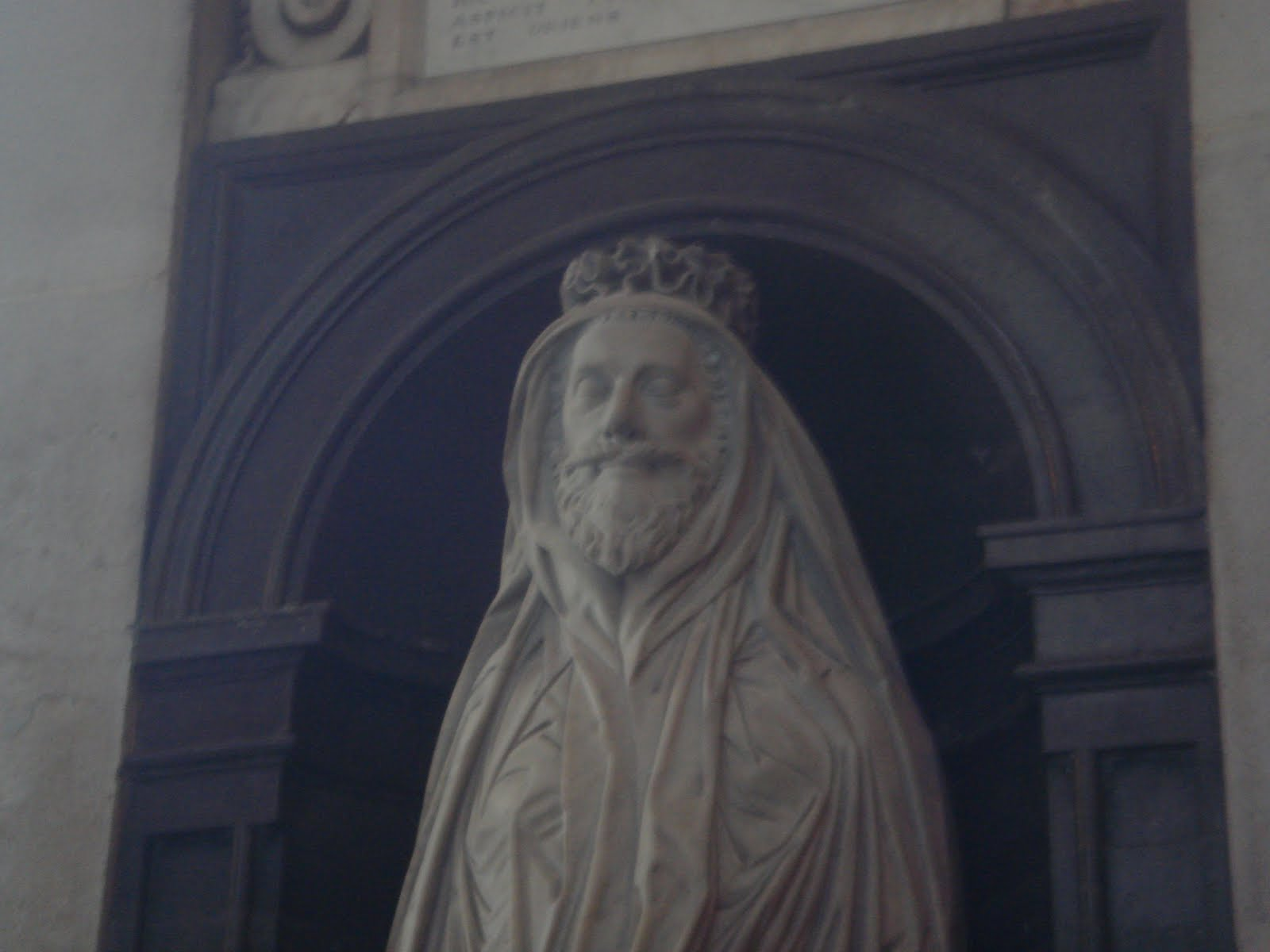 Effigy of John Donne in his burial shroud, St. Paul's Cathedral