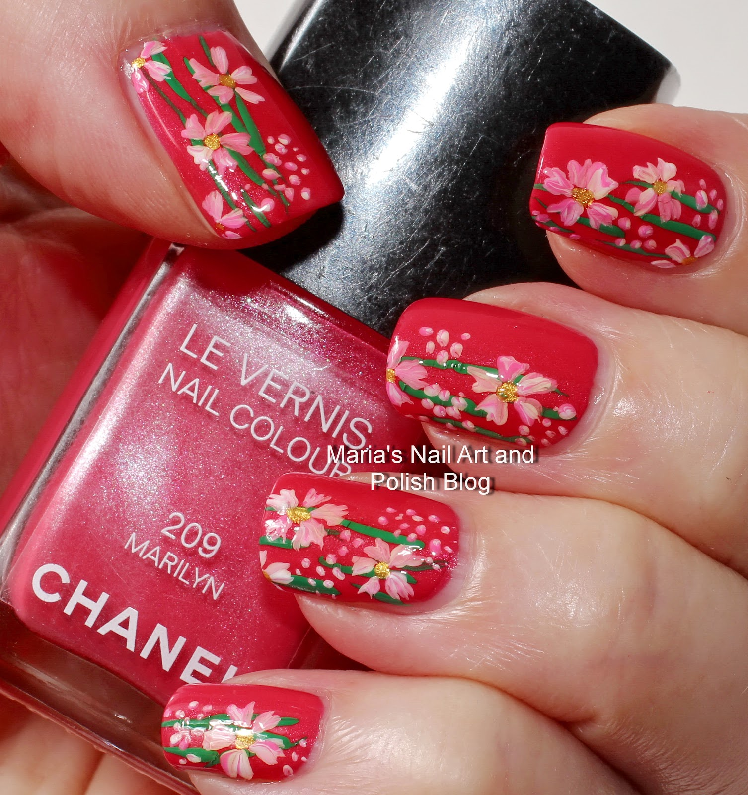 Marias Nail Art And Polish Blog Subtle Floral Nail Art On: Marias Nail Art And Polish Blog: Marilyn Likes Flowers
