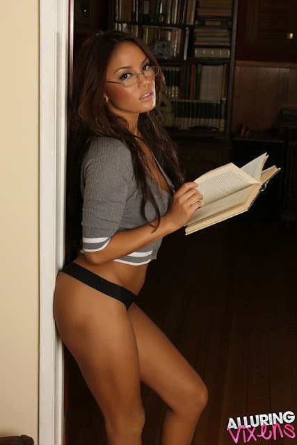 Filipina Model Justene Jaro