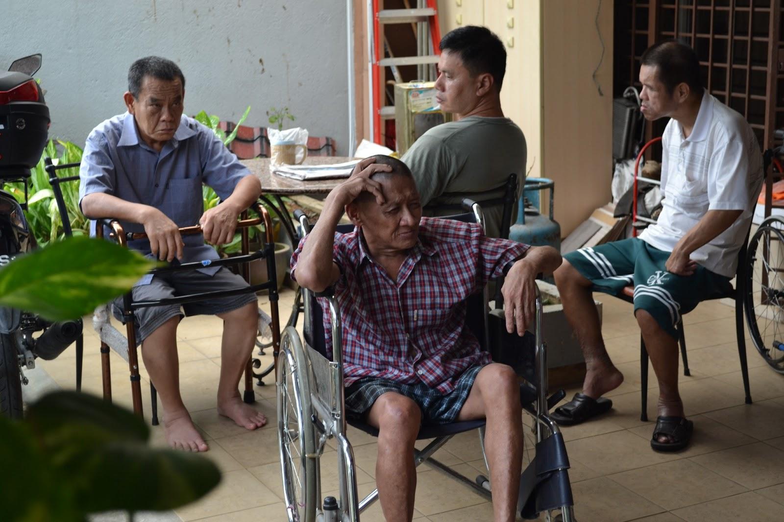 kajang senior singles Vote one of your own, kurup tells kajang folk sungai chuah, kajang, senior citizens, single mothers and other disadvantaged persons receive rice.