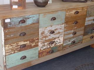 mueble desechado, reciclaje, reutilización