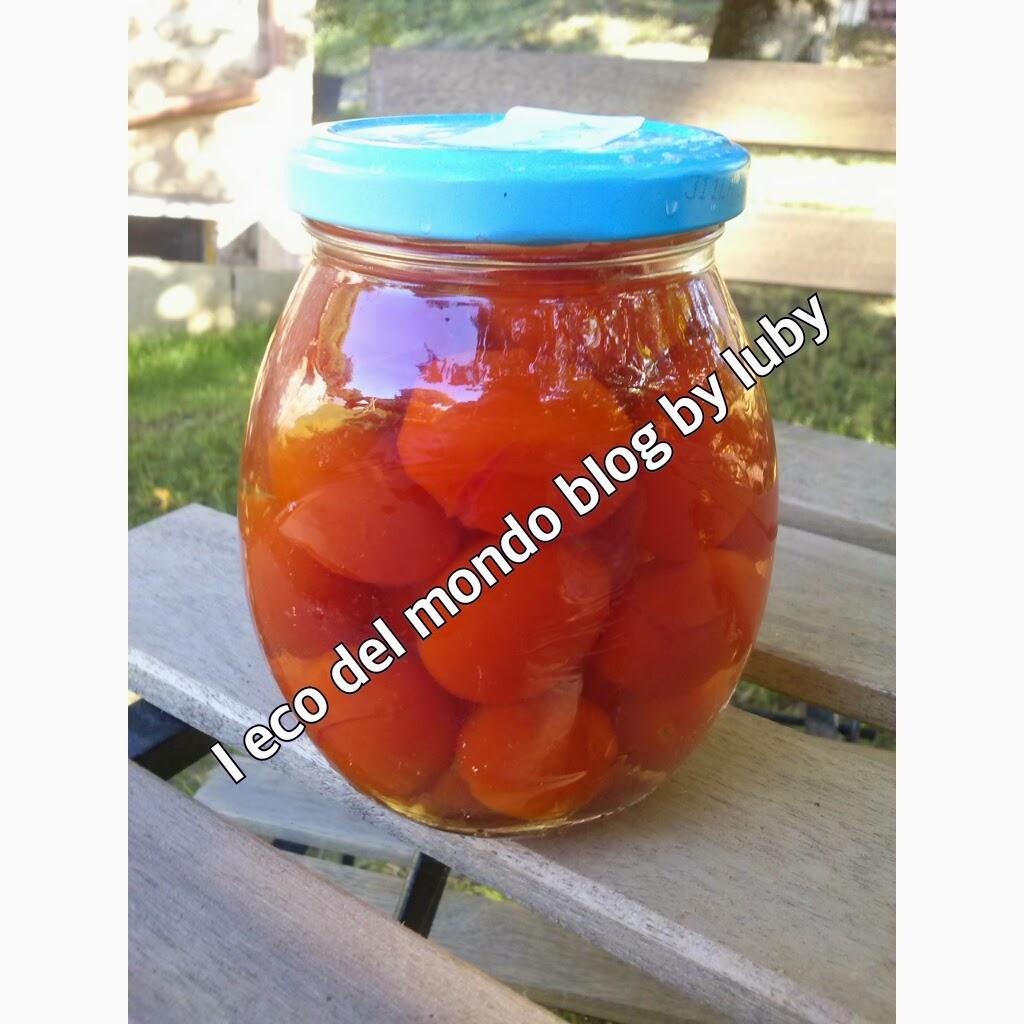come conservare i pomodori datterini nei barattoli di vetro, sott'acqua salata; metodo veloce e pratico
