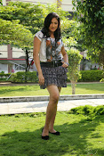 Hari Priya sizzling photo shoot-thumbnail-16