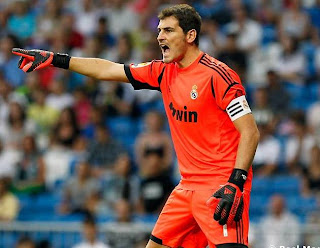 Iker Casillas en un partido con el Real Madrid