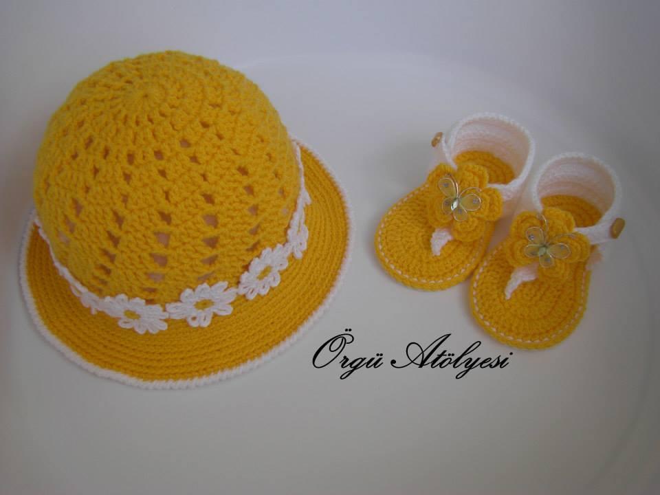Hobilendik Yazlık Bebek Şapkası ve Sandaleti