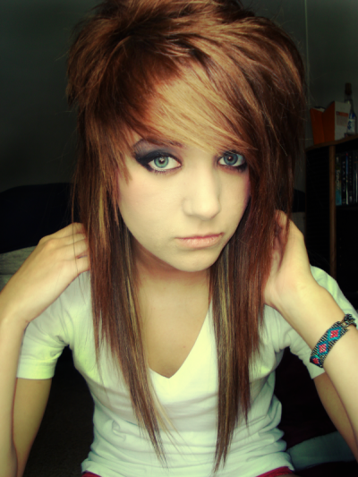 Cute Emo Hairstyles for Girls with Medium Hair
