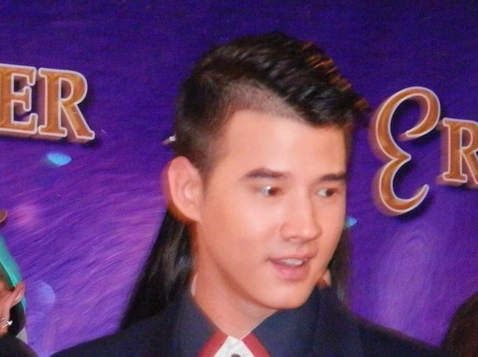 Mario maurer haircut