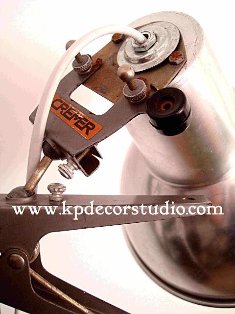 Lámpara vintage de fotografía estilo industrial marca CREMER. Focos industriales. Antiguos