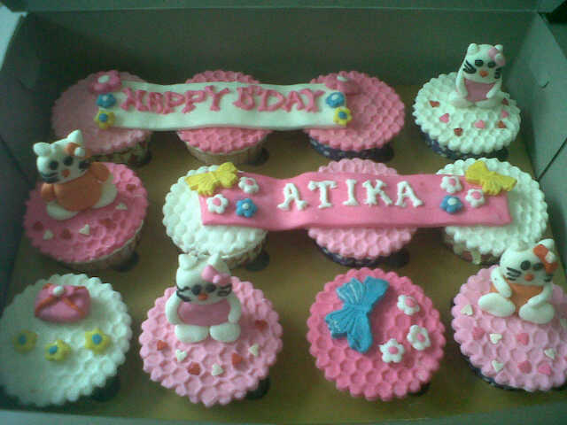 F2 Cake Bakul Kue Rumahan Cup Cake Birthday With Pondan