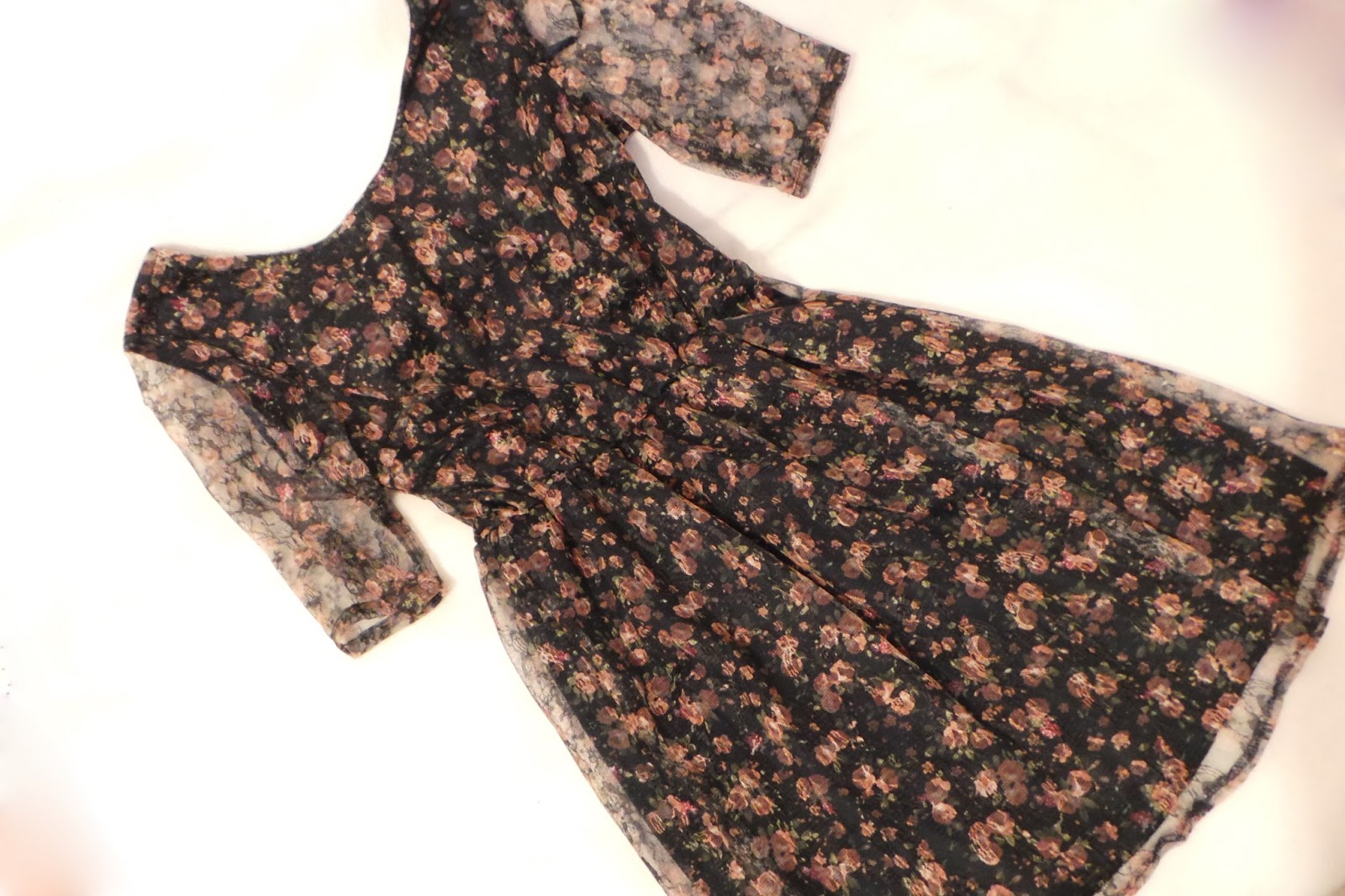birthday haul blog post - Primark Pretty Floral Dress Lace Sleeves