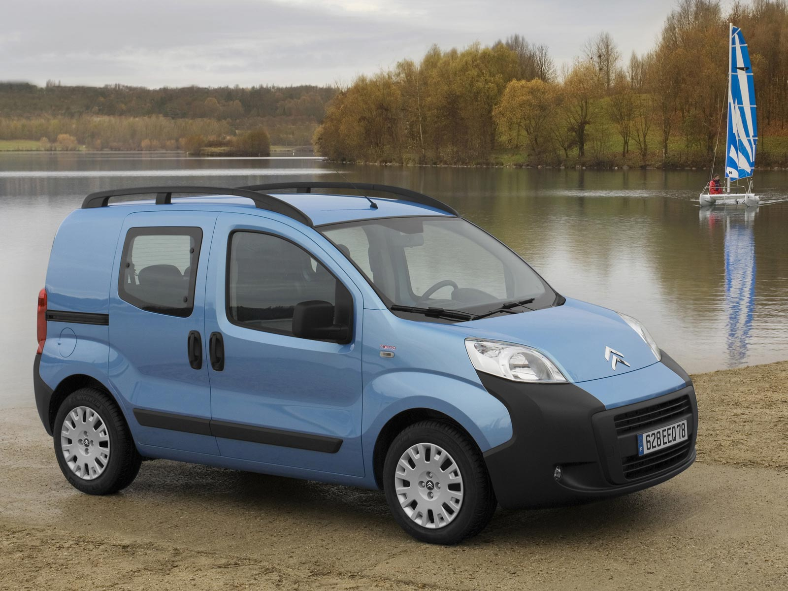 wallpapers of beautiful cars citroen nemo aka peugeot bipper aka fiat fiorino. Black Bedroom Furniture Sets. Home Design Ideas