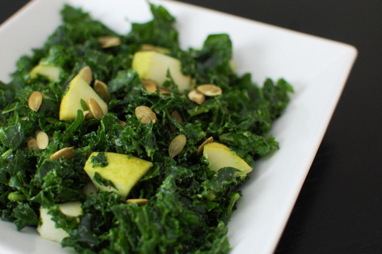 http://1.bp.blogspot.com/-ai5uVxhbN2o/TtK3dX-VbZI/AAAAAAAAHt4/dsXESSNpBN4/s1600/fall-massaged-kale-salad.jpg