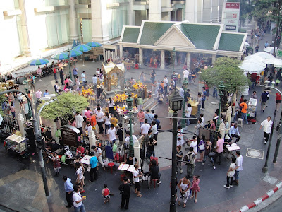 Erawan Shrine Reopens Today After the Monday Bomb Attack