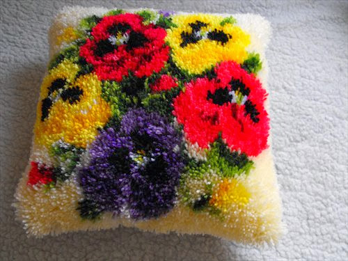 pansies latch hook cushion