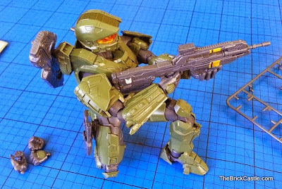 SpruKits Level 3 Halo Master Chief poseable figure model kit
