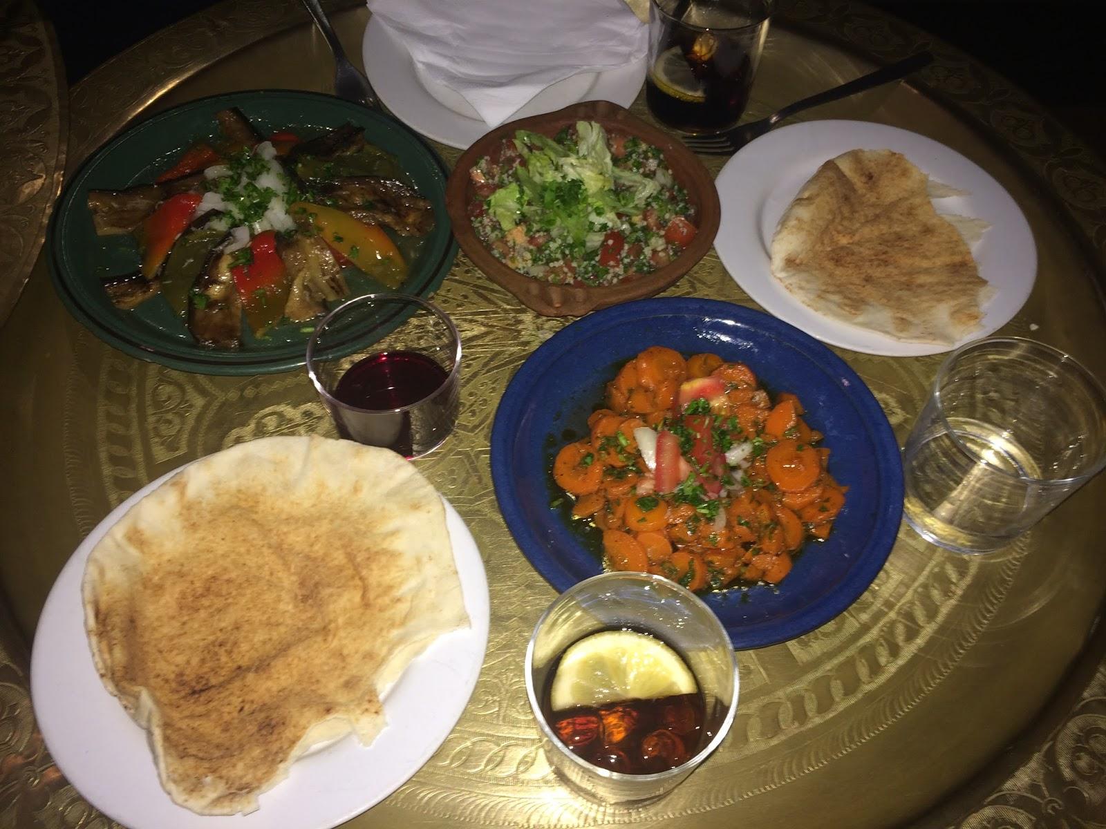 Lun ticas por madrid arabia y la cocina del desierto for Cocina del desierto madrid