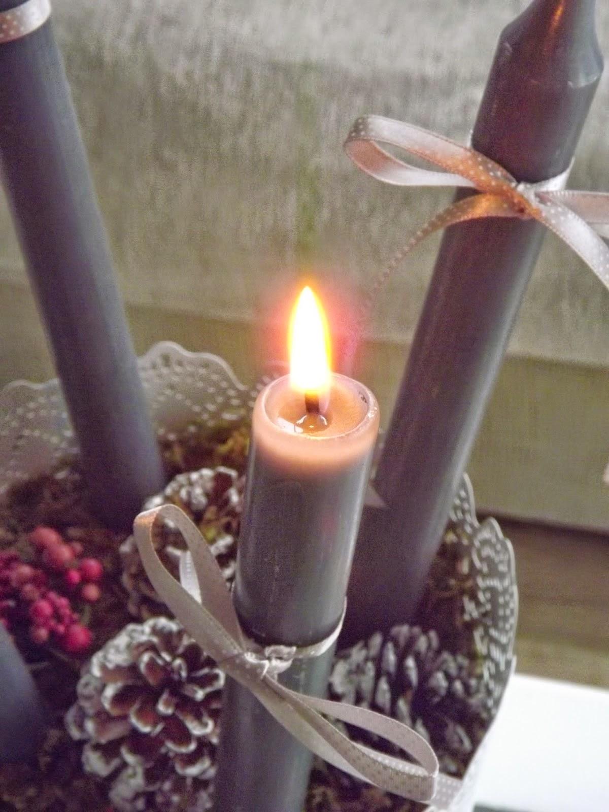 Primera vela encendida...