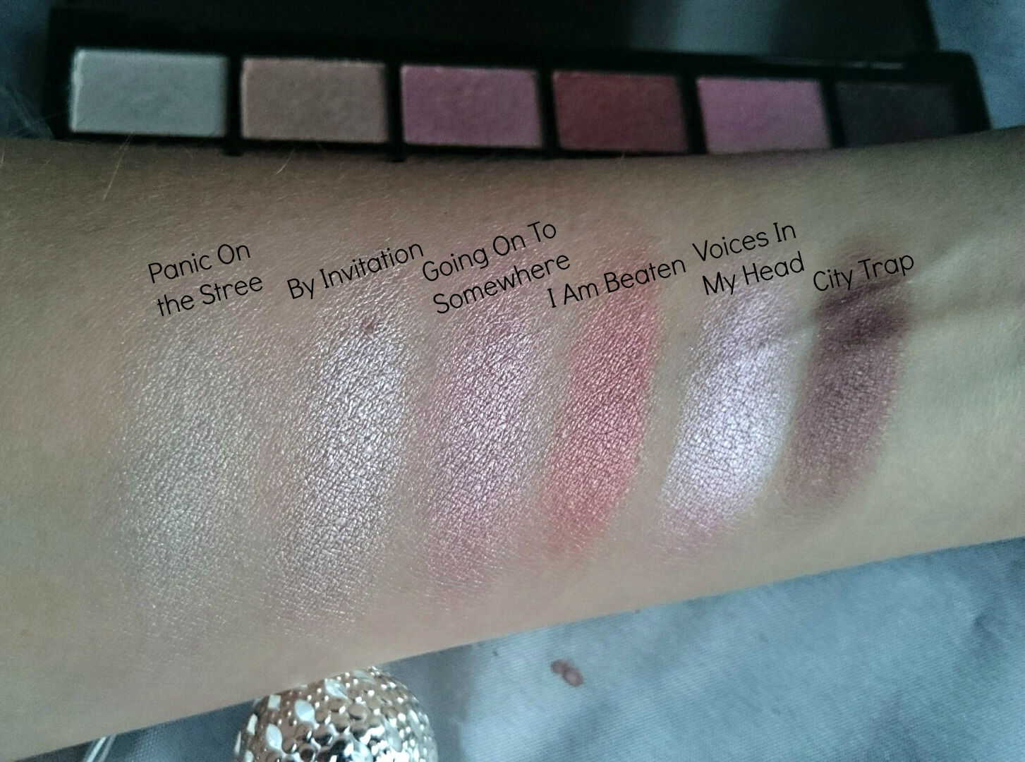 Makeup Revolution Girl Panic palette swatches
