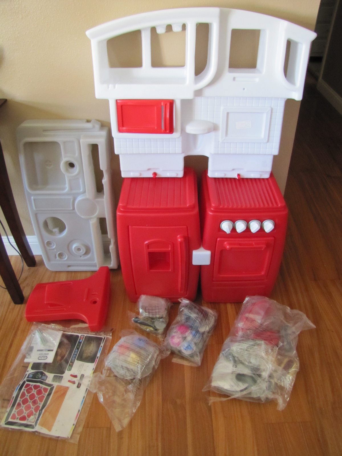 holiday gift guide 2012: little tikes cook n' grow kitchen